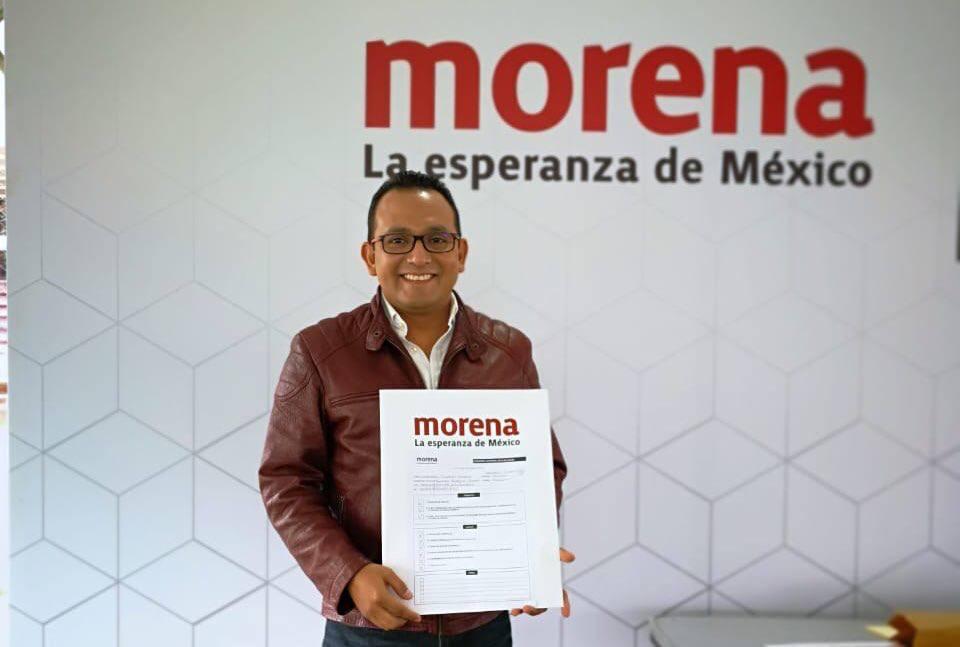 Se registra Danner González como aspirante a diputado de Morena en Xalapa